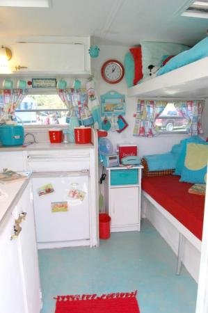 Cottage style camper
